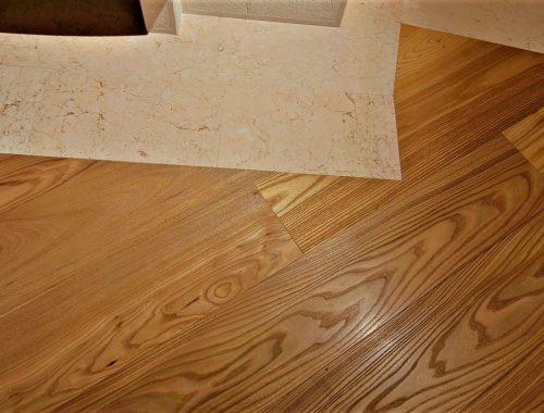 pavimento composto pietra di prun e parquet