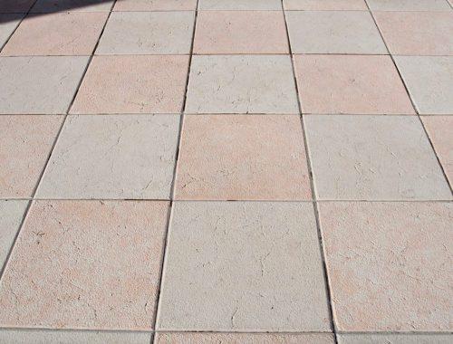 pavimento in pietra della lessinia bianca e rosa
